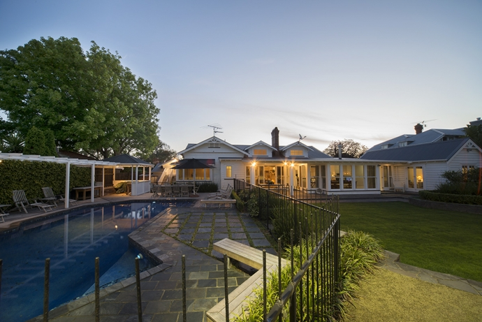 Country House Living in the Middle of Remuera