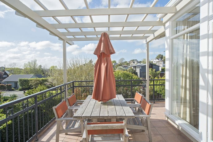 Large Family Home and Land on Woodley Ave ... a Rare Opportunity, in Remuera's Best Family Street