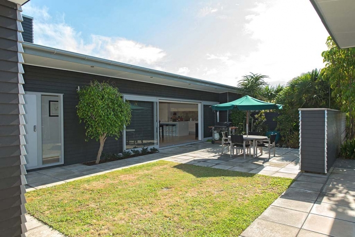 Your own private, beach and country retreat less than 70 mins from Auckland