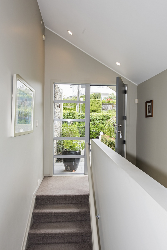 Perfect Remuera/Newmarket 'lock up and leave' ... just move in!