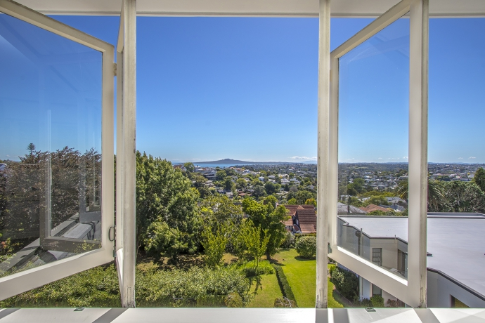 Iconic Views from this Original Arts and Crafts Home