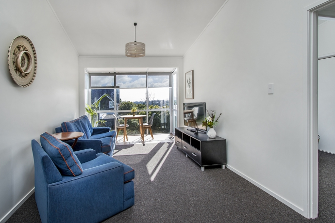 Centrally located unit with views- perfect lock up and leave