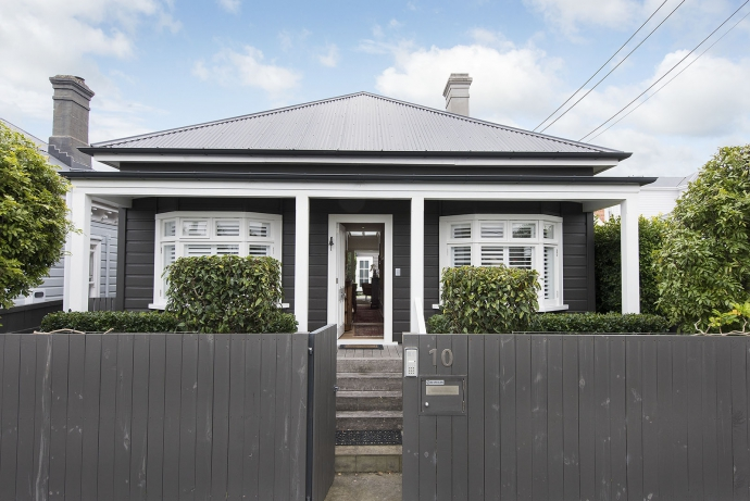 The Most Wonderful Rebuilt Cottage and Environment in Parnell...